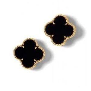 Jewelry - Four leaf clover onyx earrings